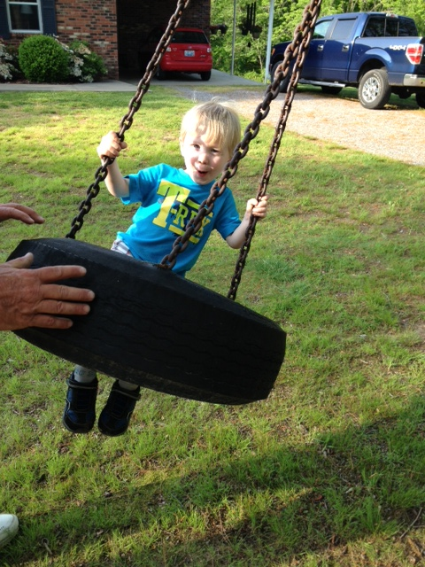 Play Tire Swing